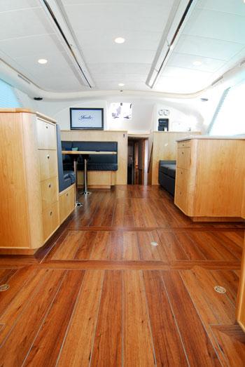 luxury boat hire perth